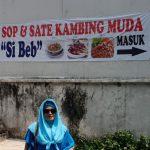 Sop dan sate kambing muda di Bogor